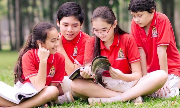 Nỗi niềm các bậc phụ huynh có con học trường Quốc tế