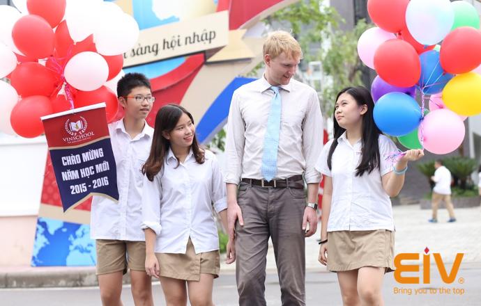 Cẩn trọng trong việc thuê, quản lý giáo viên nước ngoài dạy tiếng Anh