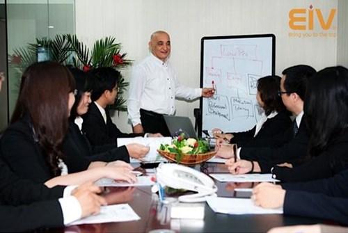 Thầy Thomas - Đào tạo tiếng anh doanh nghiệp