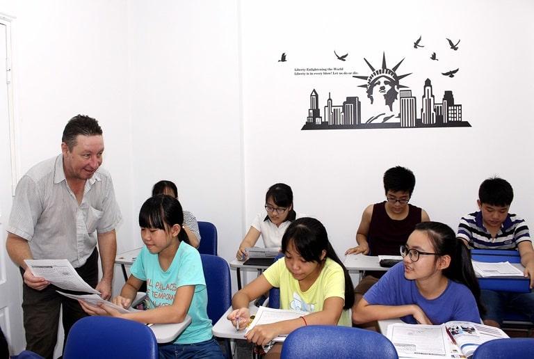 cung cấp giáo viên bản ngữ cho trung tâm
