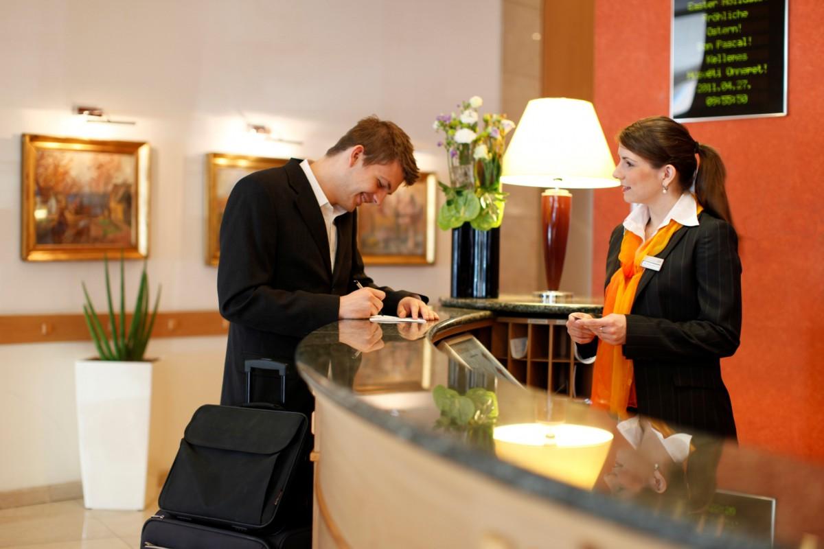 tiếng Anh khách sạn