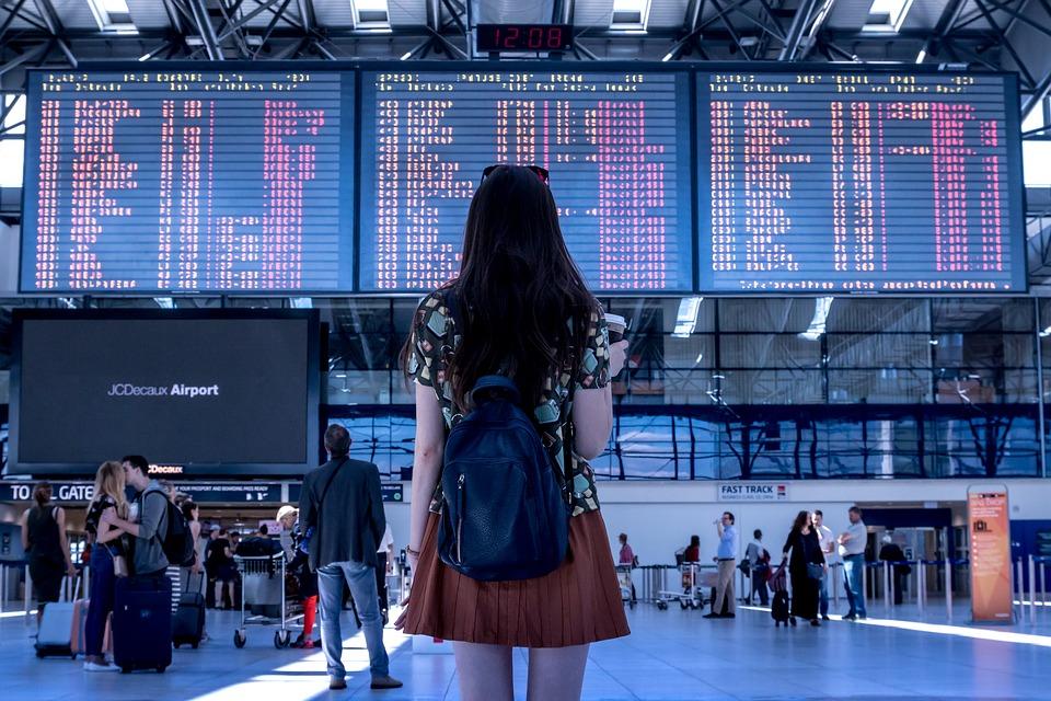 Cùng EIV Education cập nhật ngay 20 mẫu câu du lịch cực hấp dẫn khi du lịch nước ngoài bạn nhé.