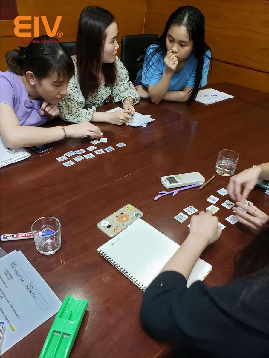 Làm sao để quản lí giáo viên nước ngoài hiệu quả?