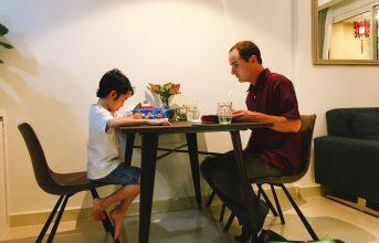 Học Tiếng Anh cùng giáo viên bản ngữ – Xu thế của Cha Mẹ hiện đại