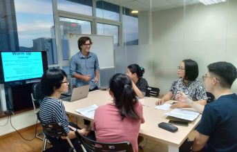 (Tiếng Việt) Chương trình Tiếng Anh giao tiếp dành cho người lớn