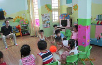 Dạy bé học tiếng Anh tại nhà – Ba mẹ nên thử
