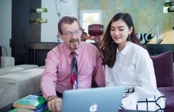 Lợi Ích Khi Học Tiếng Anh Với Giáo Viên Bản Ngữ Có Thể Bạn Chưa Biết